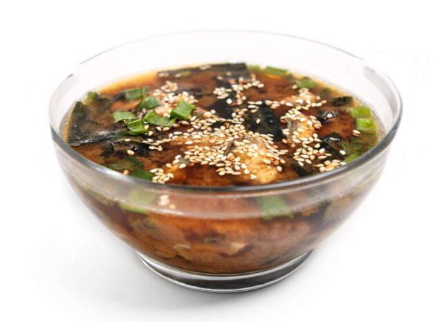 Місо суп з вугрем